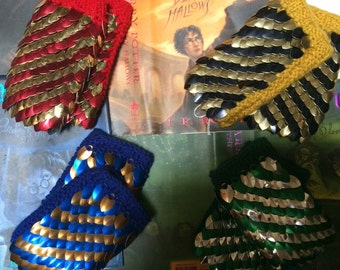 The Hogwarts Collection - DragonSwag Gauntlets in House Colors