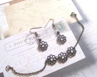 BLACK DAISIES - Vintage Inspired Jewelry Set - Floral Filigree Bracelet & Earrings
