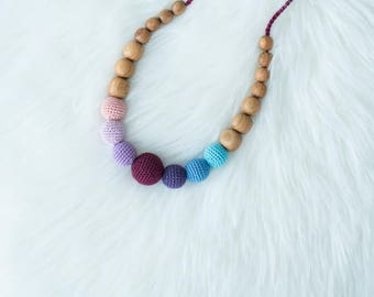 Gift - Nighty Night Rainbow Breastfeeding & Babywearing Necklace by KangarooCare - Oak Wood