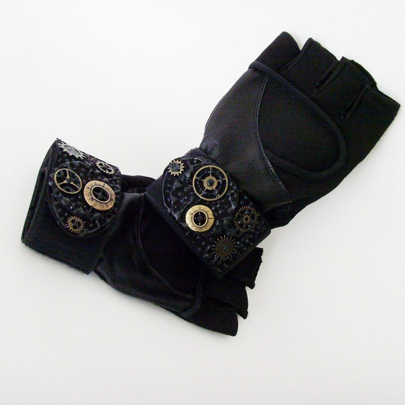 Vegan Fitness Gloves: Unisex Black Fingerless Exercise Steampunk Gloves / Black