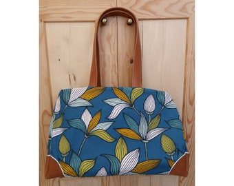 "Phillips, Tote, handbag in camel leather and smart weed, graphic and elegant ""Phillips Flora"""