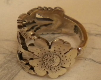 Antique Sterling Silver Spoon Ring size 8 Pierced Clover