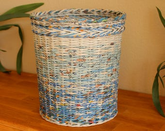 Original paper basket made of newsprint