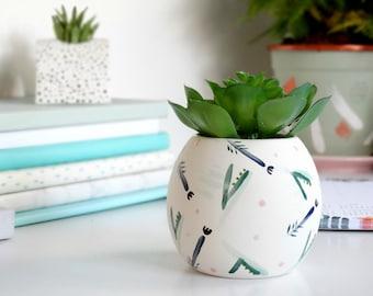 Leaf Print Mini Bud Vase, Mothers Day Gift, Leaf Decor, Plant Gift, Plant Decor, Desk Planter, Ceramic Vase, Small Plant Pot, Gift For Her