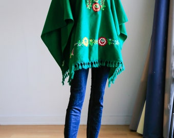 Embroidered Poncho | Green Floral Poncho | Green Wool Poncho | Traditional Mexican Poncho | Wool Poncho with Tassels | Festival  Poncho |