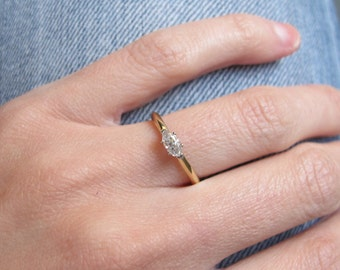 Marquise Diamond Solitaire in East West Setting in 18k Gold Engagement Ring
