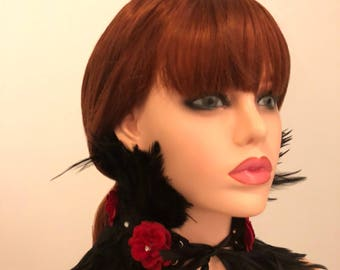 Red rose feather collar