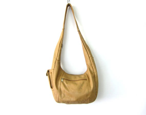 Tan Leather Purse Hobo leather Crossbody purse made in Mexico Boho Hipster Cresent Slouch Bag Lots of Zippers 1980s Bohemian Chic Purse