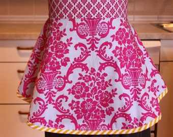 Sis Boom Betsy Apron, PDF pattern with instant download...easy to sew, makes for a great hostess gift.