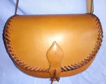 Handbag of grain leather, model Nora