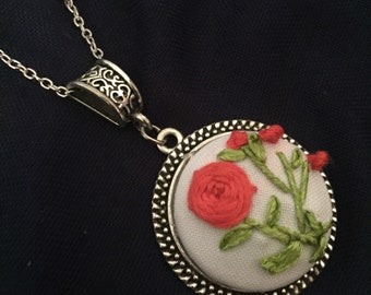Flower embroidery necklace