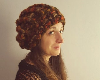 Woolen hat / beret / beanie. Hand knitted woolen hat / beret made by warm thick yarn. Available in many fantastic winter colors.