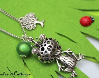 Frog - tree green pearl necklace