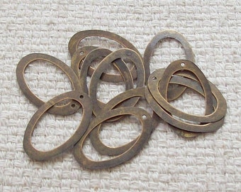SALE - Antique Bronze Oval Charms or Rings - 30 x 19 mm - Set of 16