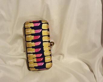 Lipstick Clutch Box