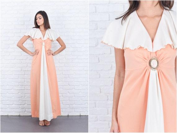 Vintage 70er Jahre Pfirsich Elfenbein Maxi Kleid Cape Ärmel