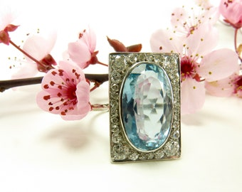 Spring Sale Circa 1930 6.12 Carat Aquamarine and Diamond Ring Set in Platinum