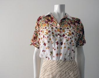 White Short-Sleeved Blouse with Floral Print | ASHLEY TALOR PETITES | Vintage Blouse. ||