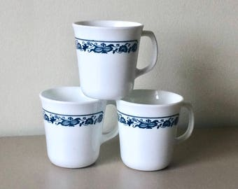 CORELLE by CORNING WARE Set of 3 Vintage Mugs in Old Town Blue Pattern