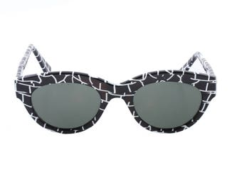 Johnny Be Good black & white cateye sunglasses, graffiti style cello texture, made in Italy NOS 1990