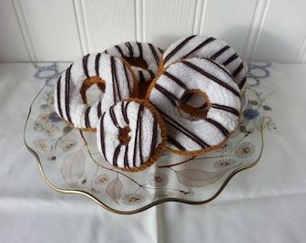 Doughnut (White Icing, Choclate Drizzle)