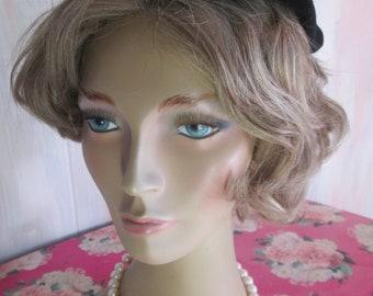 "Vintage 1950s Black Velvet & Faux Pearl Juliet Hat "" Valerie Modes"""