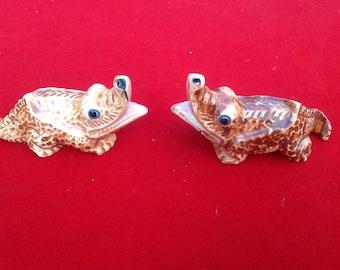 Vintage brown ceramic alligator salt and pepper shakers Japan