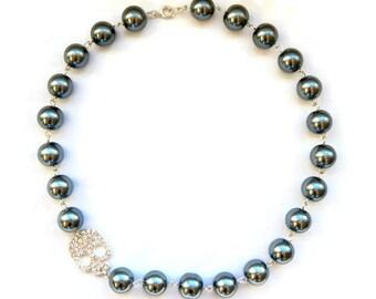 Gray Pearl Rhinestone Skull Necklace, Gunmetal Gray Pearls, Silver Rhinestone Skull, Retro Pinup Jewelry, Vintage Style