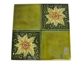 Azulejo flores de verde cuatro veces