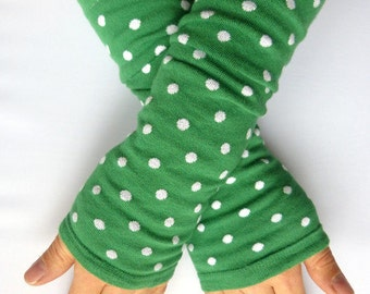 Arm warmers, fingerless gloves in green, white points