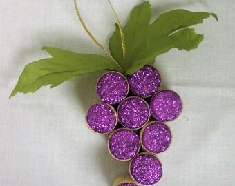 Wine Cork Grape Ornament / Christmas Ornament / Wine Lover Gift / Wine Corks / Cork Ornament / Wine Ornament / Wine Gift