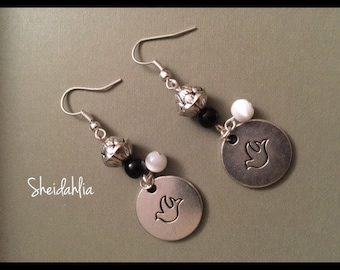 Black and white earrings- Silver coin, Hope, Peace, Dove, Casual, Hope, Silver, Bird, Dangle, Chandelier, Gift for her