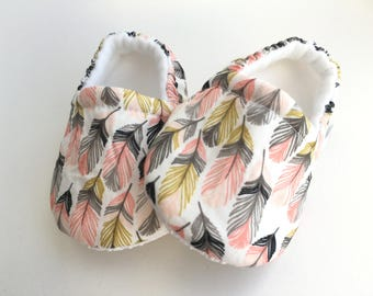 Feather Baby Booties, Baby Shoes, Baby Slippers, Baby Booties, Baby Moccs, Soft Sole, Baby Gift, Baby Booty