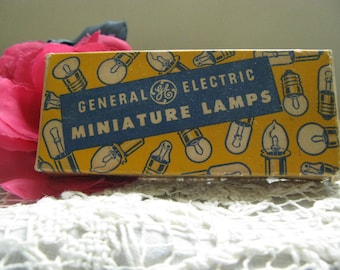 General Electric Miniature Lamps ~~ Vintage 40's 50's G E Bulbs ~~ Collectible Advertising