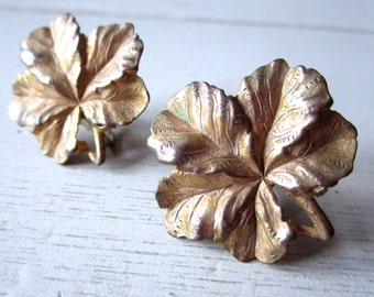 Vintage Metal Flower Leaf Screw Back Earrings - Gold Toned - Jewelry - Etsy - Patina Leaves Petals Pin-up Girl - Mad Men
