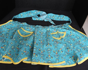 Vintage 1950s Handmade Apron, Dutch Design, Blues, Reds, Yellow, Size Medium to Large, Hearts and Flowers, Amish (A020)