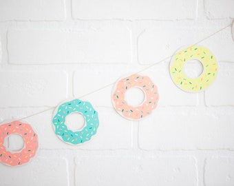 Donut Garland | Donut Birthday Party | Donut Balloon | Unicorn Party Favor | Summer Party Balloon  | Donut Float | Summer Party