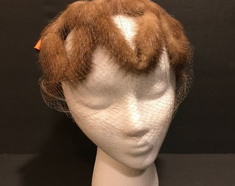 Ladies Fur Pillbox hat with silk/Satin bow and veil Ladies size medium 1960's Mink hat