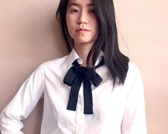Smith Lab skinny scarf in black silk. Wear it as a neck tie, choker scarf or hair tie. Black silk ascot. Black skinny tie. Bow neck scarf.