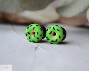 "Green Donuts Eyelets plugs,Ear tunnels 8,10,11,12,14,16,18,20,22,24,26,28,30mm;4g,2g,0g,00g;5/16"",3/8"",1/2"",9/16"",5/8"",3/4"",7/8"",1 1/4"" inch"