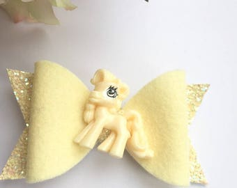 My little pony hair bow, toddler hair bow, handmade hair bow, medium bow,yellow bow, glitter bow, wool felt bow, girls bow