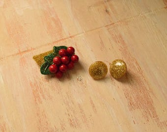 1940's Style brooch and earring  Set   Red Currant Brooch with Gold Glitter Resin