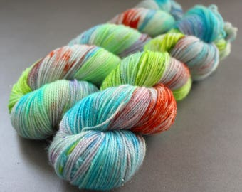 "Magpie - ""Poolside"" - Gold Stellina Sock Yarn"