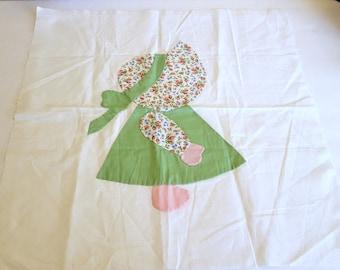 Sun Bonnet Sue Quilt Block / Vintage Quilt Block / Fabric Art / Frameable Quilt Block