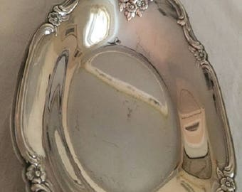 Vintage Matching Silver Plate Bowls - 2