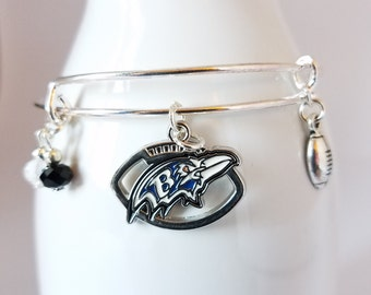 Baltimore Ravens football bangle bracelet with team logo, team colors glass beads and charm of your choice