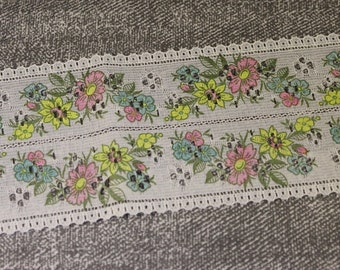3 Metres of Vintage Patterned Courtaulds Celon Lace