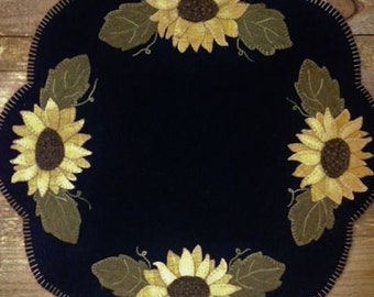 "Pattern: ""Kansas Sunflower""  Wool Appliqué Table Mat Pattern by Cricket Street Wool"