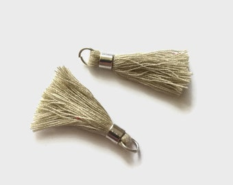 Set of 2 tassels beige 40mm with bail and silver plated ring