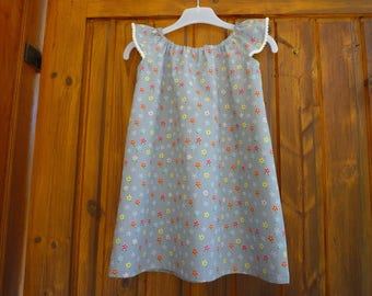 Grey floral, collar, gathered sleeves edged with pom poms, child dress size 4t